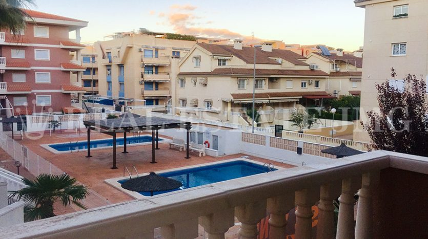 venta de apartamento en playa de canet de berenguer con garaje y piscina