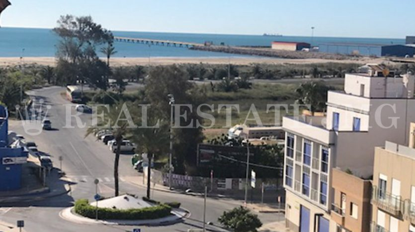 Piso en venta en la playa del Puerto de Sagunto. Inmobiliaria JMG