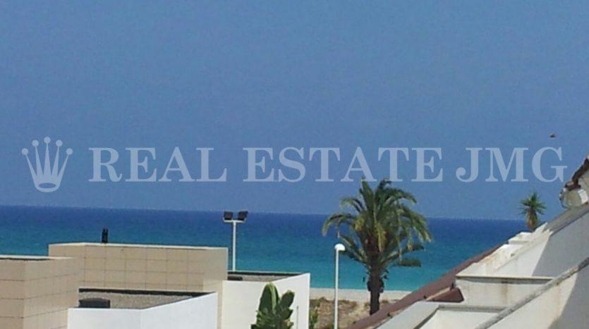 Adosado en Almardà playa. Inmobiliaria playa de Almardà.